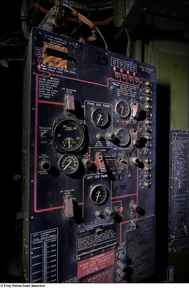 Контрольная панель воздушного дозаправщика KC-97