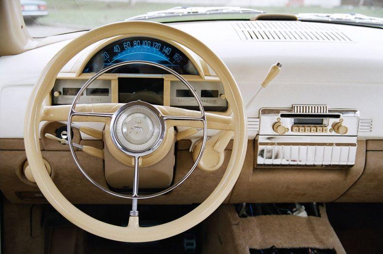 Porsche-Cayenne - Волга ГАЗ-21