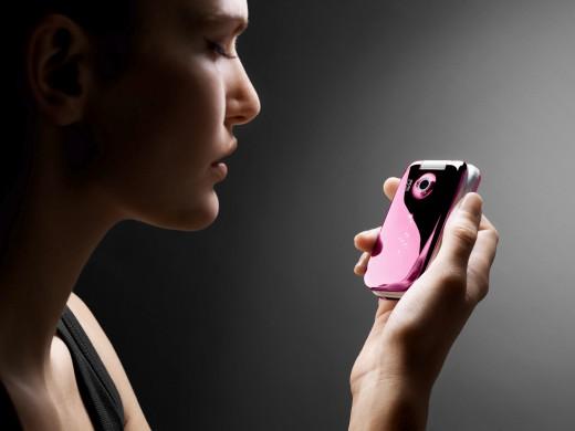 Красть мобильные телефоны стали в два раза реже