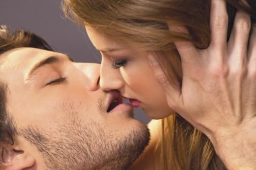 Поцелуемся?!