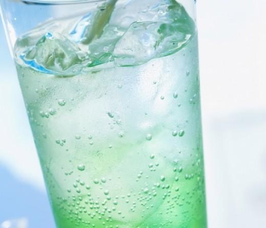 Названы напитки, утоляющие жажду в жару и зной