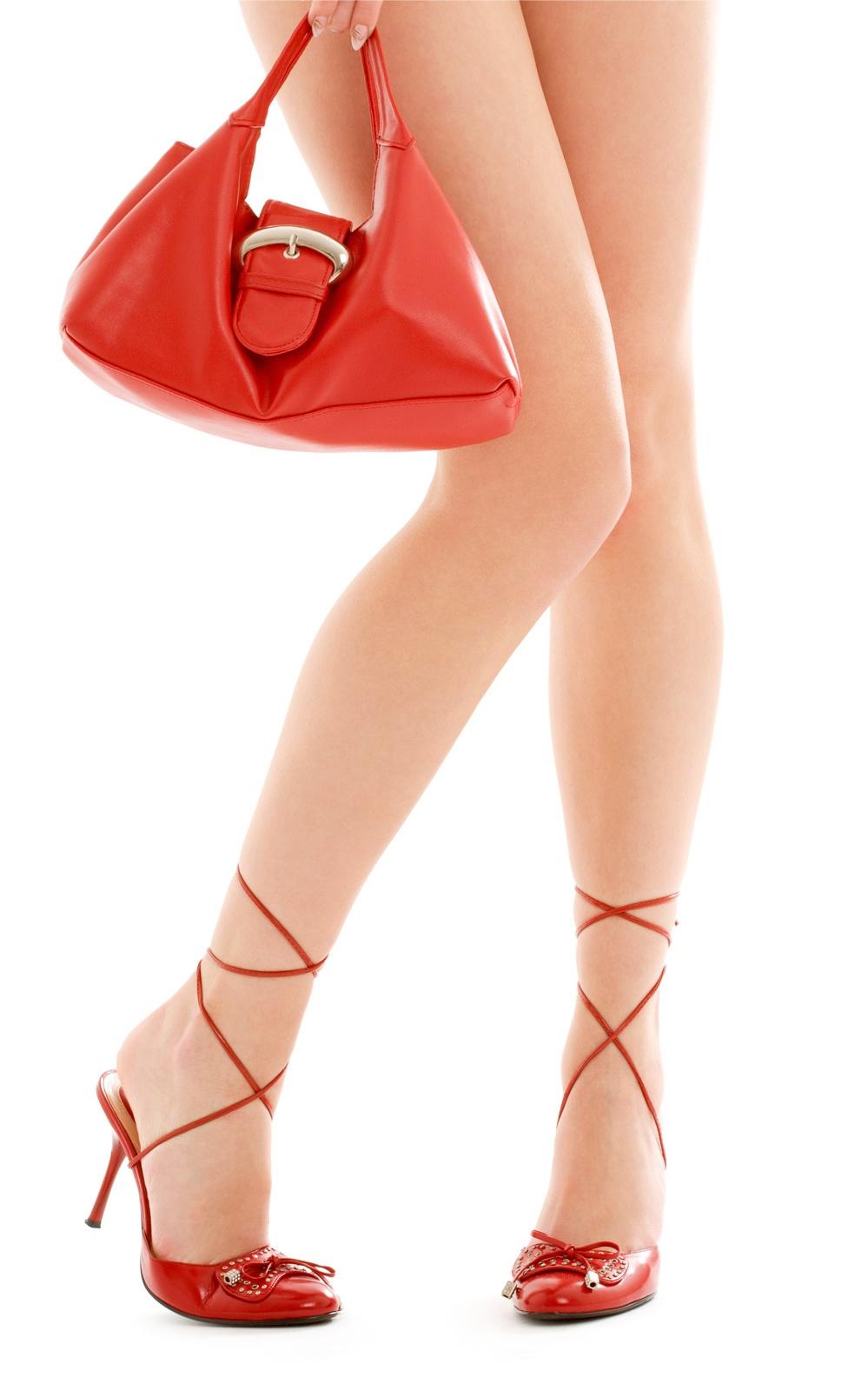 Сексуальные женские ножки на шпильках