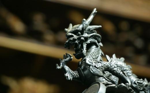Сегодня ночью наступит год Дракона