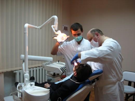 Протезирование зубов в клинике Денталюкс-М