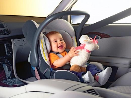 Стульчик для кормления и детское автокресло – самые популярные покупки современных родителей в интернет-магазине!