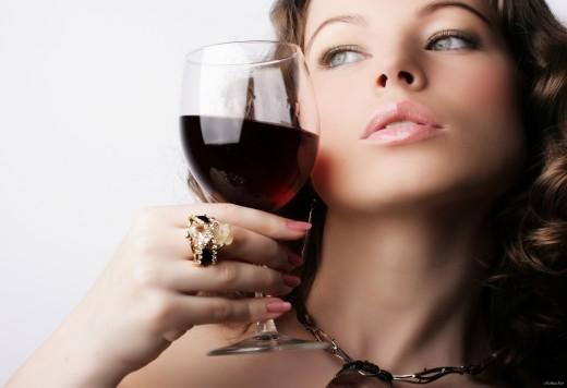Как алкоголь влияет на женщину