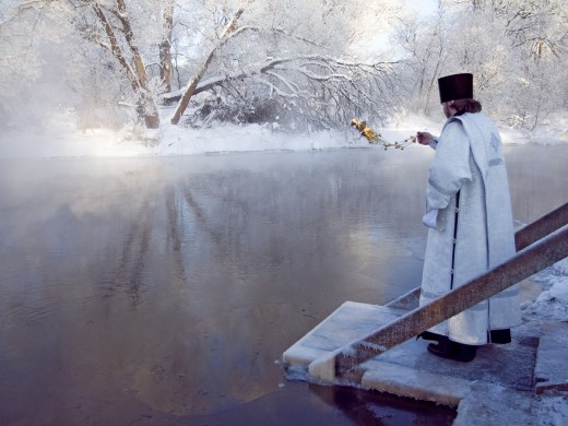 Крещенская вода: вера и суеверия