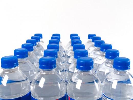 Вода из бутылок несет в себе угрозу