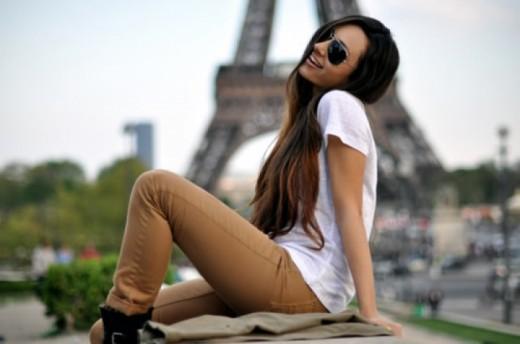 Парижанкам официально разрешили носить брюки