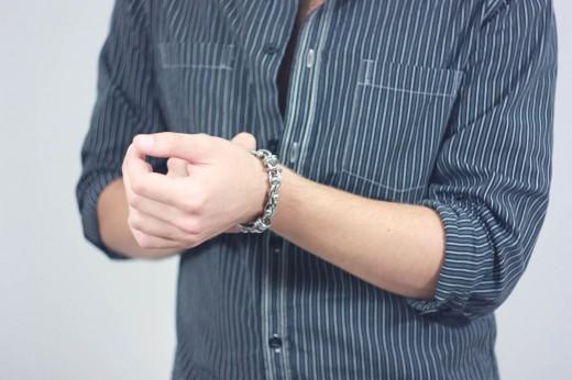 Браслеты и кольца из стали - самые стильные аксессуары для современного мужчины