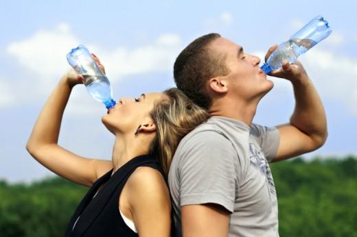 В Минздраве Украины советуют в жару больше пить воды и даже не думать об алкоголе