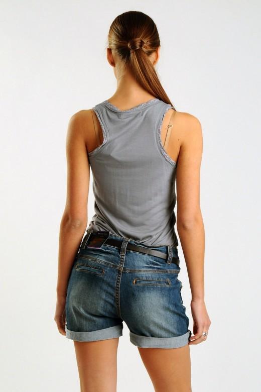 Джинсовые шорты: самый горячий модный хит этого лета