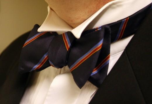 Суровую индивидуальность подчеркнет галстук-бабочка