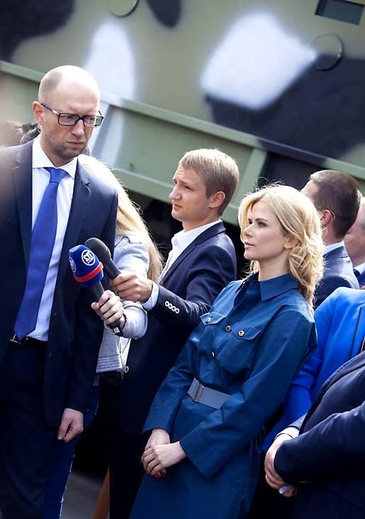 Нацгвардія отримала від депутатів Тетяни Донець та Дениса Дзензерського броньовані автомобілі