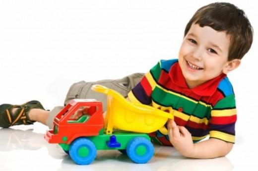 Как выбрать игрушку согласно возрасту ребенка?