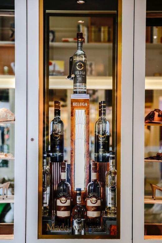Новости бренда BELUGA: арт-инсталляция в гастрономическом бутике FAUCHON и авторский коктейль BELUGA в историческом отеле Bel Ami (Париж)