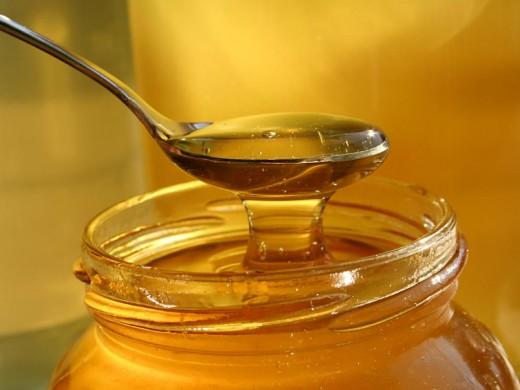 Настоящий мед пахнет медом