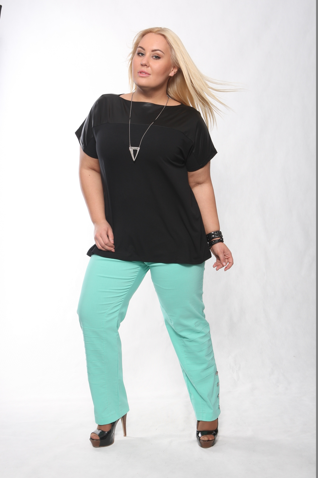 Интернет магазин женской одежды больших размеров Eva-kristishop.ru ... 02dee7926e9