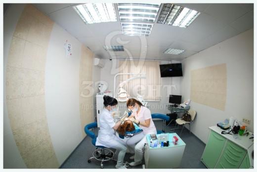 Медицинскую помощь при щелчках челюсти оказывают в «32 Дент»