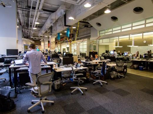 Зачем компании переходят на удаленные команды вместо офисов, и как они это делают?