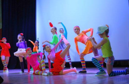 Образцовый ансамбль танца «Ровесник» Центра культуры «Хорошевский»: состоялся юбилейный концерт