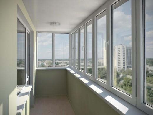 Особенности при остеклении балкона пластиковыми окнами