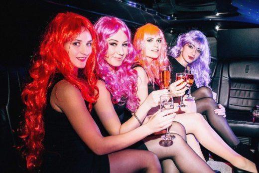 Где купить цветные парики для вечеринки?