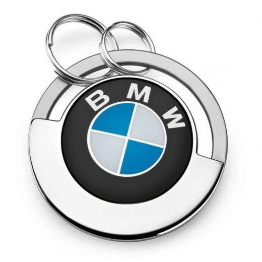 Брелки с автомобильной символикой в подарок