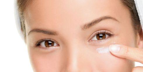 Простые советы для восстановления сухой кожи вокруг глаз
