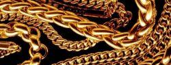 Золотые цепочки — неизменно популярное украшение