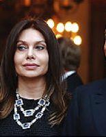 Супруга Берлускони жалуется на «гарем»