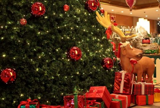 Япония готовится к рождеству.