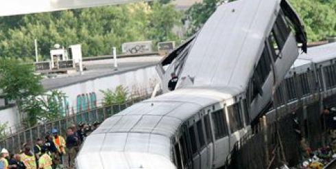 В Вашингтоне столкнулись два поезда метро: есть погибшие и раненые