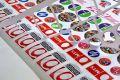 Наклейки и стикеры для рекламы и маркировки: применение и методы печати