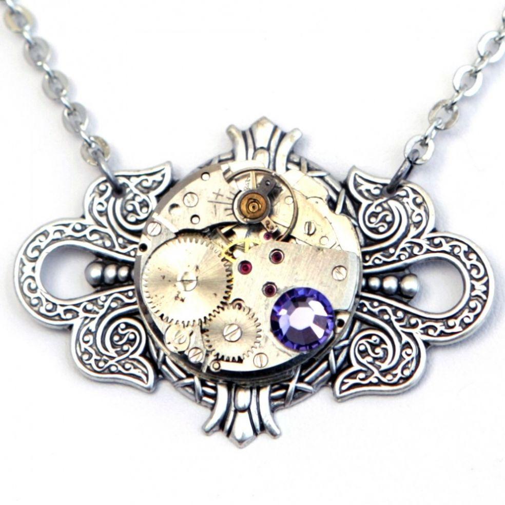 Медальон стимпанк с драгоценным камнем