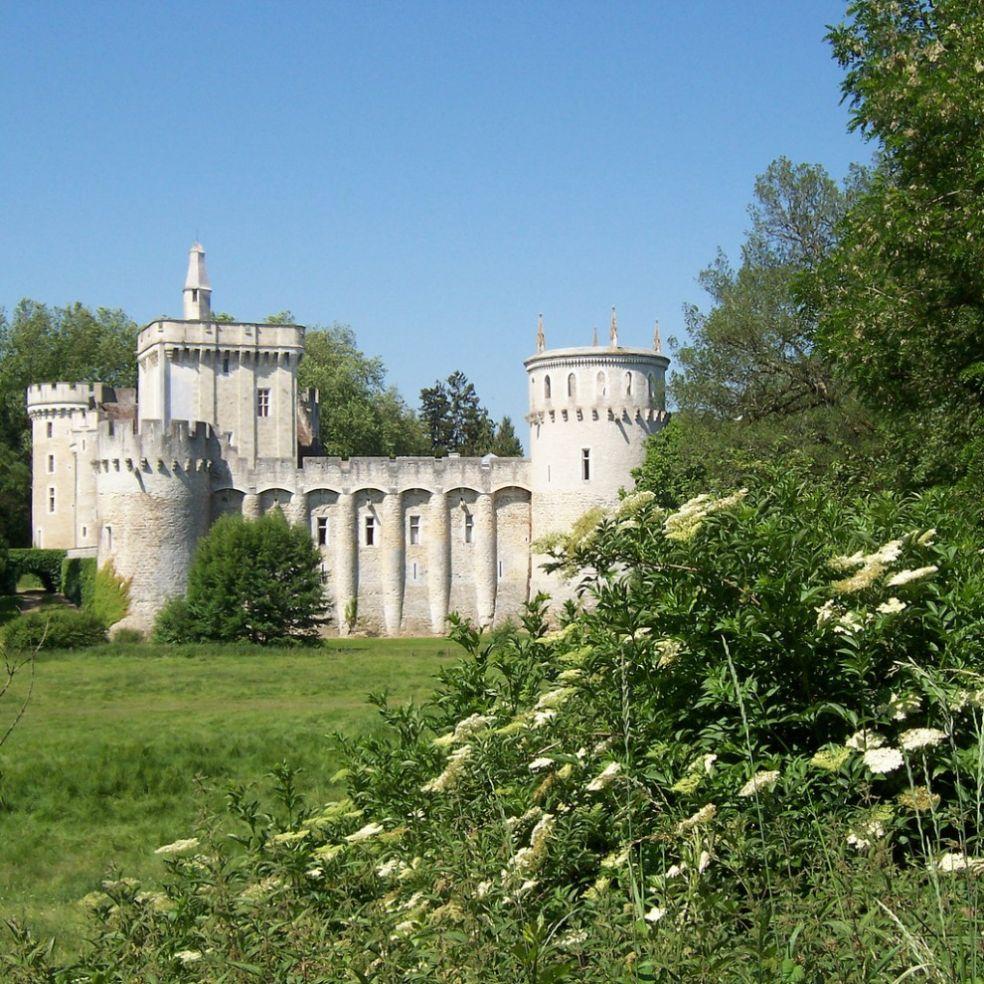Замок Гийом в Брене
