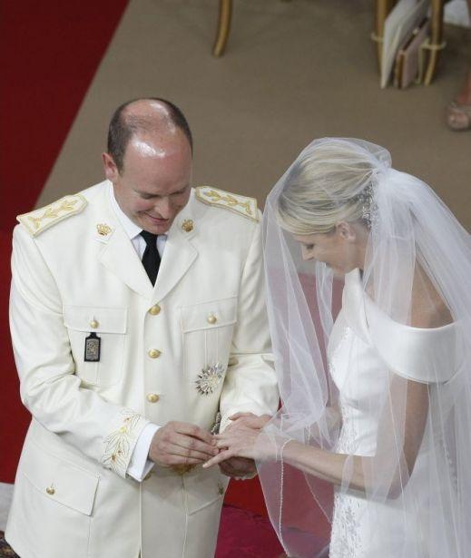 Альбер Второй и Шарлин Уиттсток стали мужем и женой