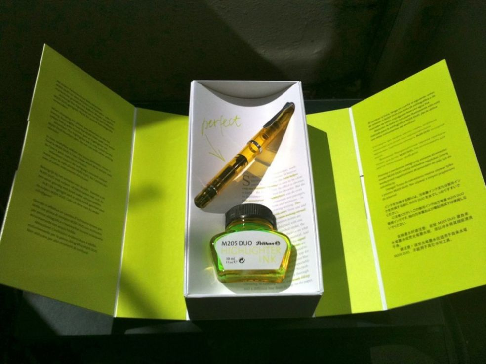 Чернильная ручка Пеликан