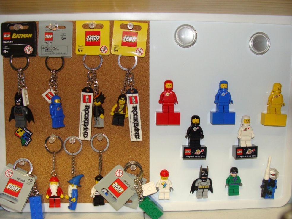 Коллекция брелоков и магнитов Лего