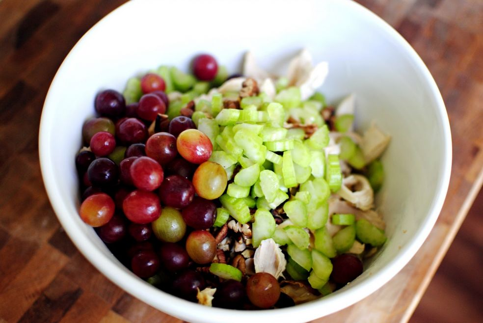 Необычный куриный салат фото-рецепт