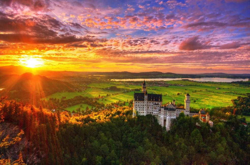 Закат над замком в Швангау, Германия
