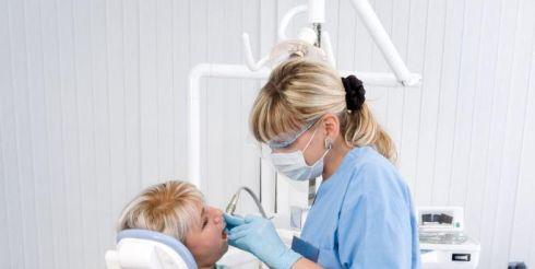 Протезирование, имплантация и отбеливание зубов. Высокие технологии на российском рынке стоматологических услуг