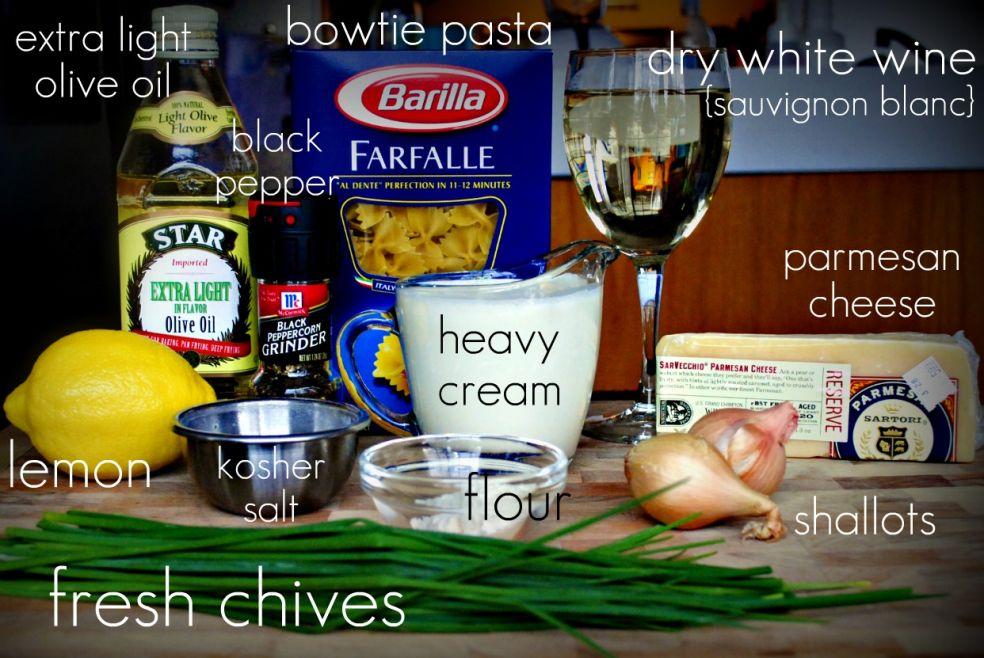 Оливковое масло, черный перец, макароны, сухое белое вино (совиньон), жирные сливки, пармезан, лимон, соль, мука, лук шаллот, стрелки зеленого лука