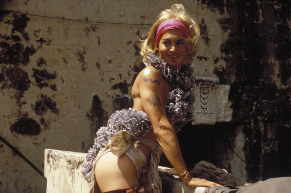 Мужчины в юбках: как актёры перевоплощались в актрис